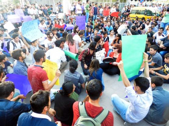 Bingöl'deki Tecavüz Olayı Van'da Protesto Edildi