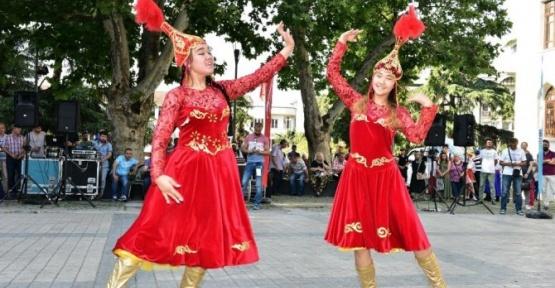 Ahududu Festivali'nde Eğlence Tavan Yaptı