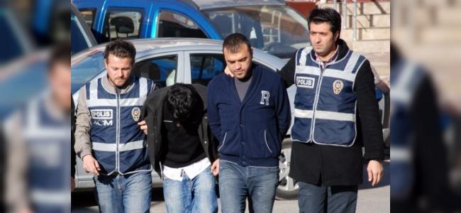 Kahramanmaraş'ta Takibe Alınan Araçta Uyuşturucu Çıktı