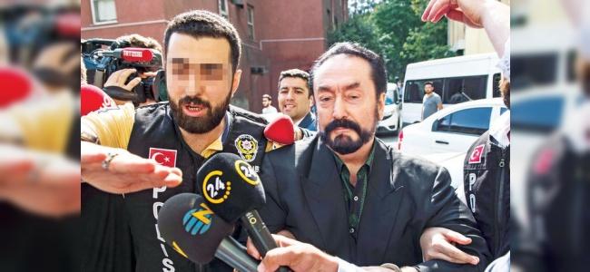 Adnan Oktar Sabah Saat 06.38'de Ahmet Hakanı Neden Aradı?