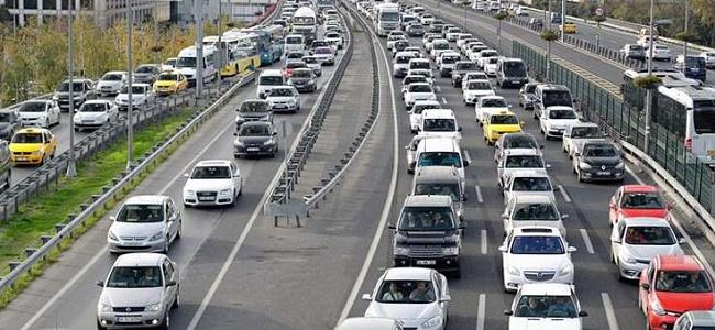 Trafiğe kaydı gerçekleştirilen araç sayısında yüzde 49 düşüş