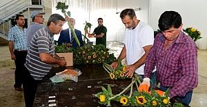 Adana'dan Hollanda'ya Dal Çiçek İhracı