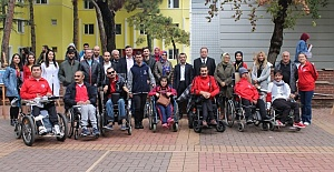 Üniversiteliler Engelli Bireylerle Bir Araya Geldi