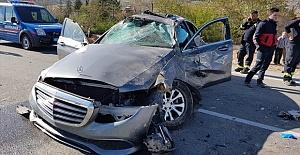 Halk Müziği Sanatçısı Esat Kabaklı Trafik Kazası Geçirdi!