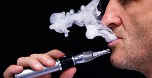 """""""Elektronik Sigara, Sigara Bırakma Yöntemi Olarak Kullanılamaz!"""""""
