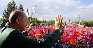 Cumhurbaşkanı Erdoğan: Kimse Kürtlere Devlet Aramasın!
