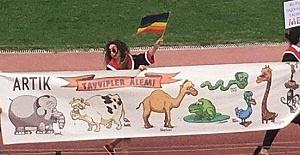 ODTÜ#039;de Hakaret Pankartını...