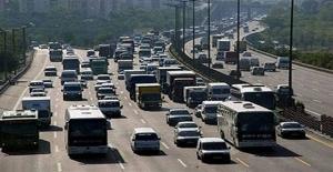 Otoyollarda trafik durma noktasında