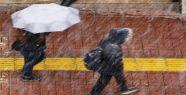 Van'da Kar Sürprizi! Sabah Yağan Yağmur Kar'a Dönüştü!