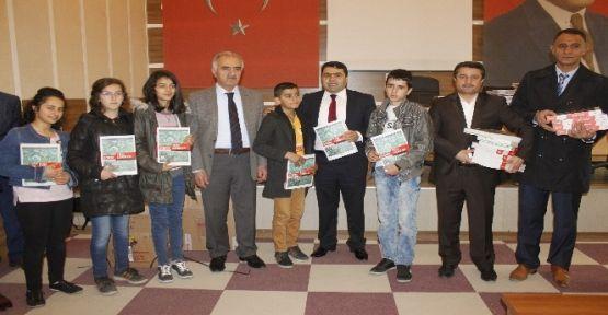 Yüksekova'lı Öğrencilere Kitap Yardımı