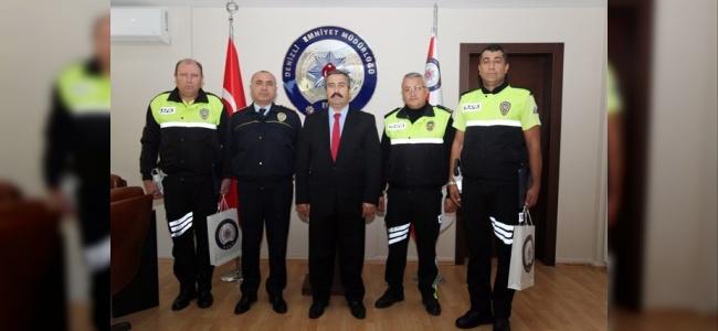 Rüşvet Almayan Polislere Ödül Verildi