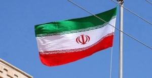 İran'ın Petrol Gelirleri 20 Milyar Dolara İndi