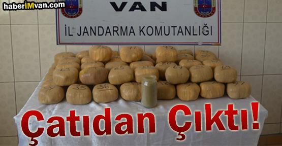 Van'da Evin Çatısında Uyuşturucu Zulası