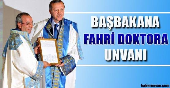 YYÜ'den Başbakana Fahri Doktora Unvanı